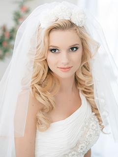 прическа и макияж на свадьбу на дом москва